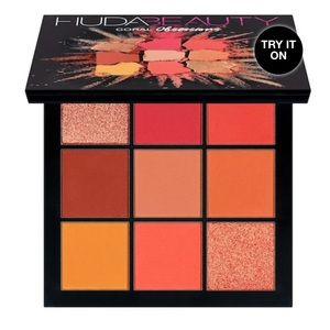 Huda Beauty Coral Mini Eyeshadow Palette